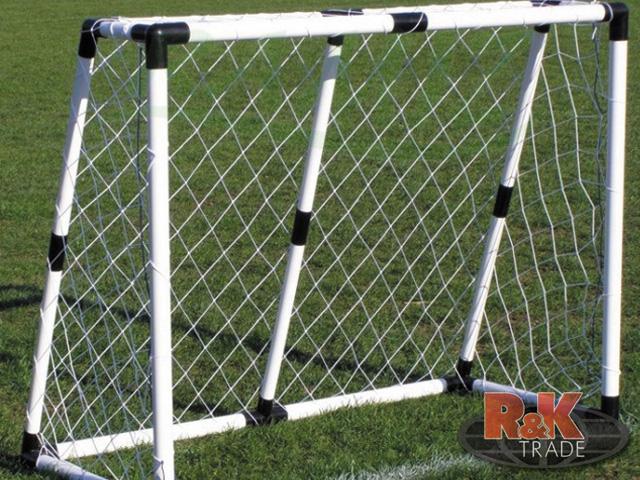 Velká fotbalová branka fotbal + míč